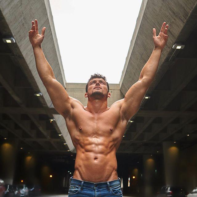 Male Fitness Models: JoshWatson