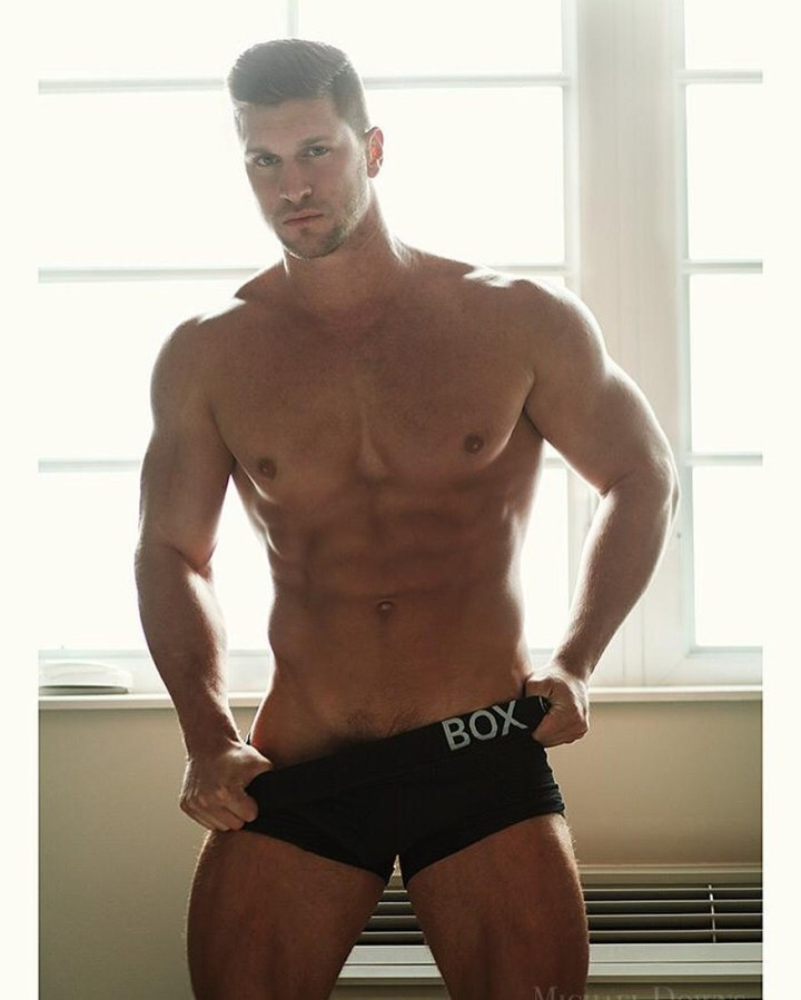 Male Fitness Models: Kyle Hynick